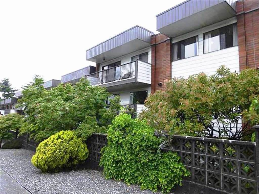"""Main Photo: 229 2033 TRIUMPH Street in Vancouver: Hastings Condo for sale in """"MCKENZIE HOUSE"""" (Vancouver East)  : MLS®# R2073311"""