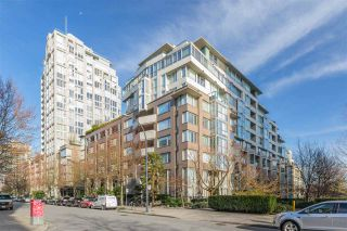 "Photo 30: TH111 1288 MARINASIDE Crescent in Vancouver: Yaletown Townhouse for sale in ""Crestmark I"" (Vancouver West)  : MLS®# R2549065"