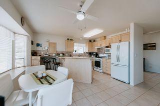 Photo 5: 5448 KENSINGTON Road in Sechelt: Sechelt District House for sale (Sunshine Coast)  : MLS®# R2611334