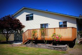 """Photo 2: 5341 CRESCENT Drive in Delta: Hawthorne House for sale in """"Nielson Grove"""" (Ladner)  : MLS®# R2182029"""