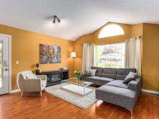 Photo 2: 1953 EUREKA Avenue in Port Coquitlam: Citadel PQ House for sale : MLS®# R2184941