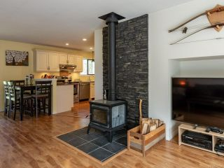 Photo 5: 3412 LODGE DRIVE in BLACK CREEK: CV Merville Black Creek House for sale (Comox Valley)  : MLS®# 837156
