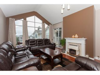 Photo 3: 309 20600 53A AVENUE in Langley: Langley City Condo for sale : MLS®# R2146902