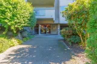 Photo 2: 306 1525 Hillside Ave in : Vi Oaklands Condo for sale (Victoria)  : MLS®# 860507