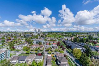 """Photo 17: 2301 433 SW MARINE Drive in Vancouver: Marpole Condo for sale in """"W1 EAST TOWER"""" (Vancouver West)  : MLS®# R2577419"""