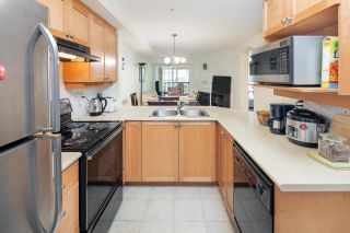"""Photo 3: 210 5605 HAMPTON Place in Vancouver: University VW Condo for sale in """"PEMBERLEY"""" (Vancouver West)  : MLS®# R2364341"""
