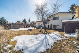 Photo 3: 628 Brookpark Drive SW in Calgary: Braeside Detached for sale : MLS®# A1083431