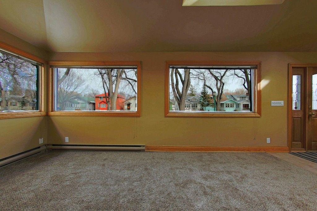 Photo 8: Photos: 492 Sprague Street in Winnipeg: WOLSELEY Single Family Detached for sale (West Winnipeg)  : MLS®# 1607076