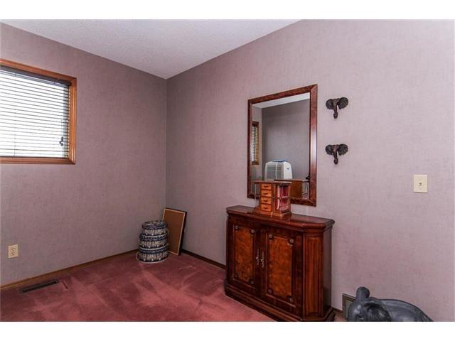 Photo 27: Photos: 139 MCKERRELL Way SE in Calgary: McKenzie Lake House for sale : MLS®# C4102134