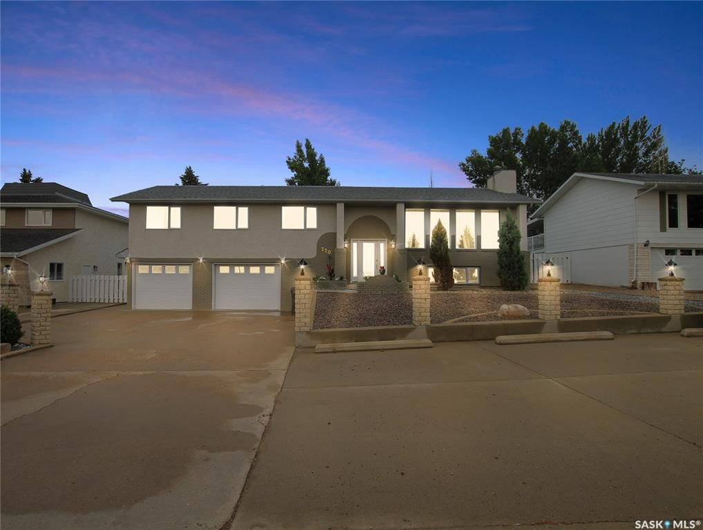 Main Photo: 220 Battleford Trail in Swift Current: Trail Residential for sale : MLS®# SK864504