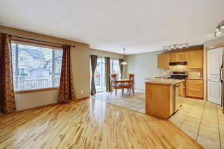 Photo 7: 38 SOMERSIDE Crescent SW in Calgary: Somerset House for sale : MLS®# C4142576