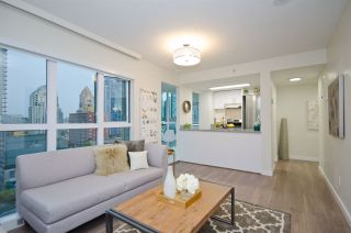 "Photo 2: 807 1188 HOWE Street in Vancouver: Downtown VW Condo for sale in ""1188 Howe"" (Vancouver West)  : MLS®# R2182097"