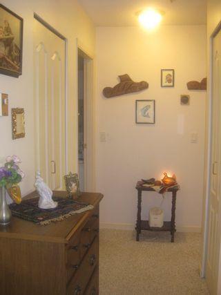 Photo 5: 201 2020 CEDAR VILLAGE Crescent: Westlynn Home for sale ()  : MLS®# V848309