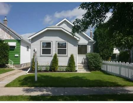 Main Photo: 1041 COLLEGE AVE.: Residential for sale (North End)  : MLS®# 2915568