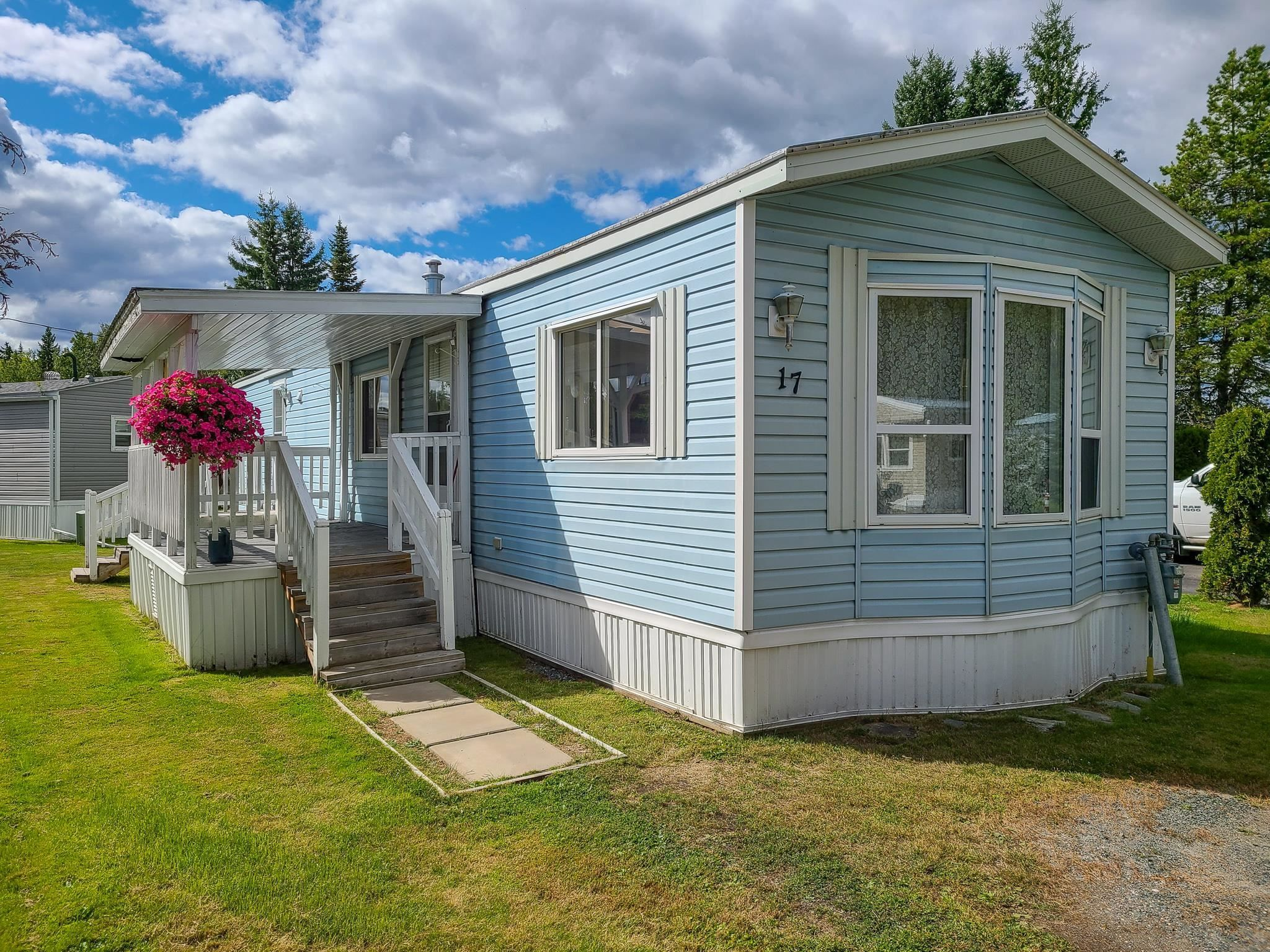 """Main Photo: 17 7817 HIGHWAY 97 S in Prince George: Sintich Manufactured Home for sale in """"Sintich Adult Mobile Home Park"""" (PG City South East (Zone 75))  : MLS®# R2614001"""