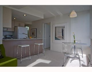"""Photo 3: 1509 550 TAYLOR Street in Vancouver: Downtown VW Condo for sale in """"The Taylor"""" (Vancouver West)  : MLS®# V804974"""