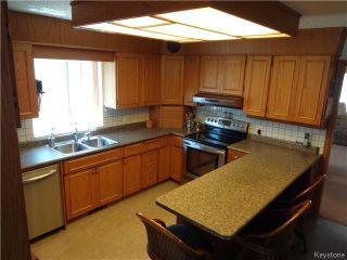 Photo 2: 95 Redview Drive in Winnipeg: St Vital Residential for sale (South East Winnipeg)  : MLS®# 1611382