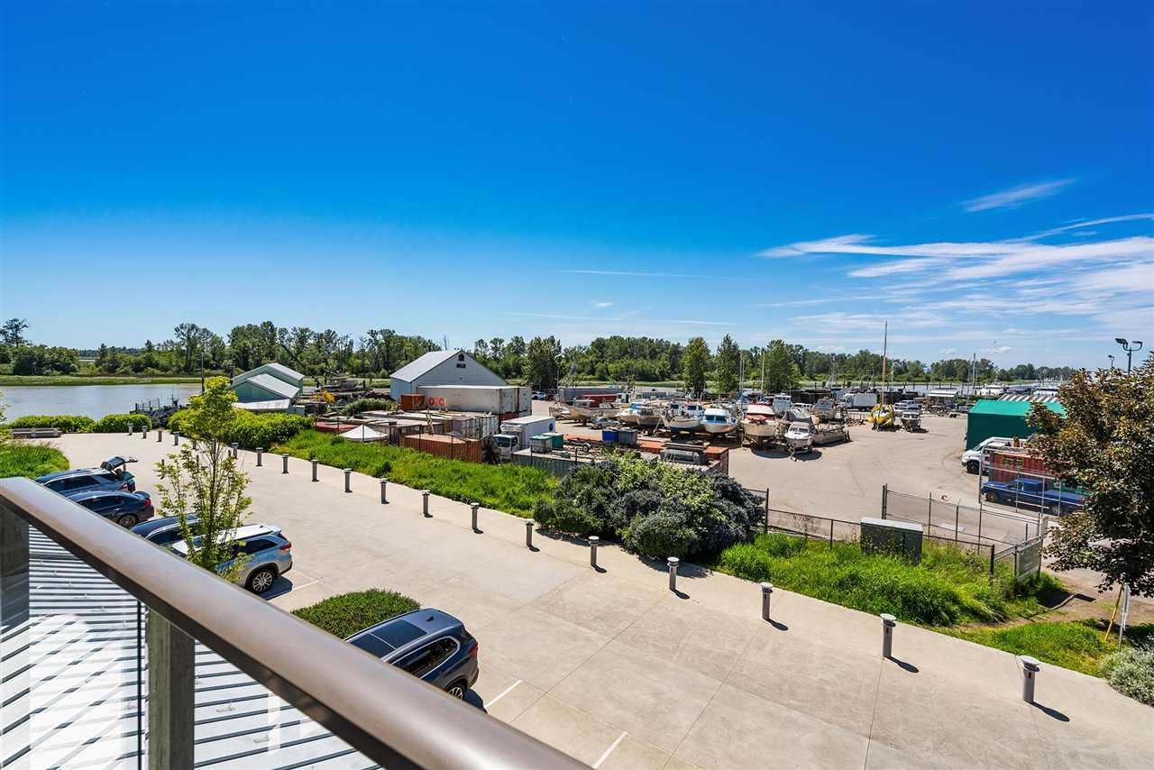 """Main Photo: 201 6160 LONDON Road in Richmond: Steveston South Condo for sale in """"THE PIER AT LONDON LANDING"""" : MLS®# R2590843"""