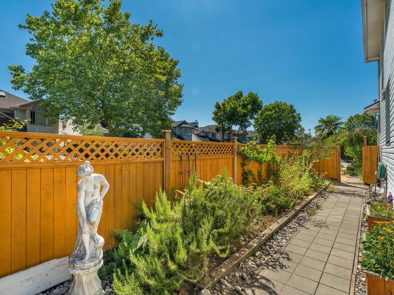 Photo 6: Photos: 5602 WILSON Court in Richmond: Hamilton RI House for sale : MLS®# R2602420