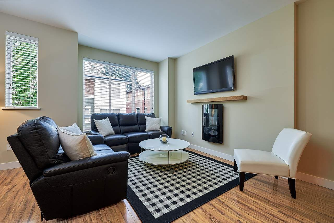 """Main Photo: 40 2929 156 Street in Surrey: Grandview Surrey Townhouse for sale in """"Toccata"""" (South Surrey White Rock)  : MLS®# R2173157"""