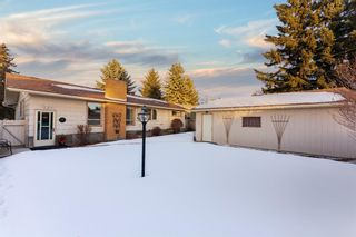 Photo 6: 907 Lake Emerald Place SE in Calgary: Lake Bonavista Detached for sale : MLS®# A1076004