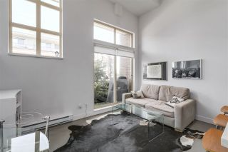 """Photo 3: 2838 WATSON Street in Vancouver: Mount Pleasant VE Townhouse for sale in """"DOMAIN TOWNHOMES"""" (Vancouver East)  : MLS®# R2218278"""