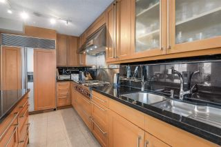 """Photo 8: 902 1415 W GEORGIA Street in Vancouver: Coal Harbour Condo for sale in """"Palais Georgia"""" (Vancouver West)  : MLS®# R2163813"""