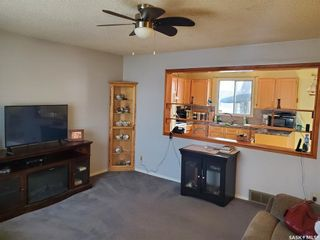Photo 3: 215 MICHENER Crescent in Saskatoon: Pacific Heights Residential for sale : MLS®# SK842712