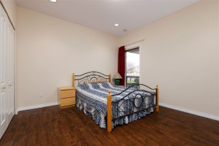 Photo 17: 8180 DALEMORE Road in Richmond: Seafair House for sale : MLS®# R2445025
