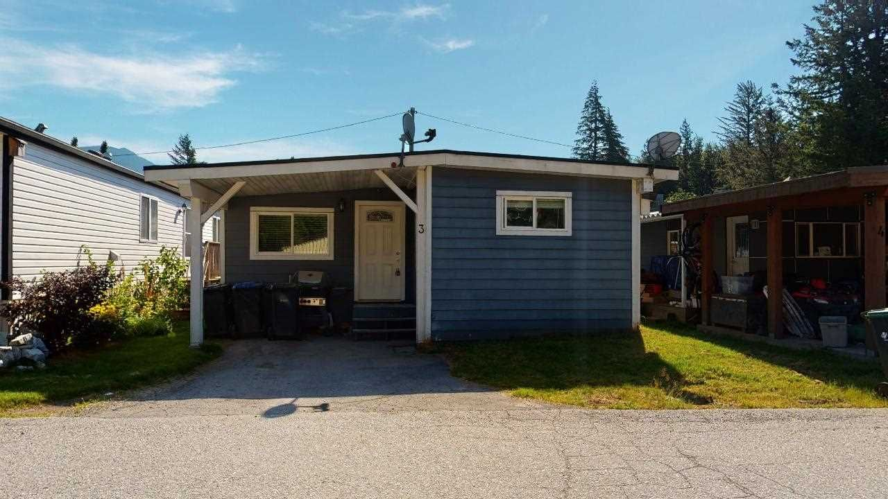 """Main Photo: 3 39768 GOVERNMENT Road in Squamish: Northyards Manufactured Home for sale in """"Three Rivers"""" : MLS®# R2478316"""
