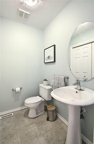 Photo 14: 33 ROYAL CREST View NW in Calgary: Royal Oak Semi Detached for sale : MLS®# C4299689