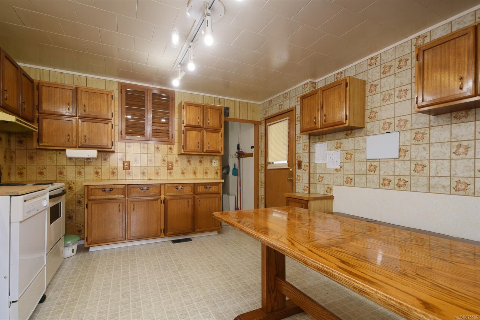 Photo 3: Photos: 55 Ontario St in : Vi James Bay House for sale (Victoria)  : MLS®# 875586