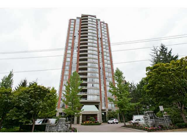 """Main Photo: 404 6888 STATION HILL Drive in Burnaby: South Slope Condo for sale in """"SAVOY CARLETON"""" (Burnaby South)  : MLS®# V1140182"""