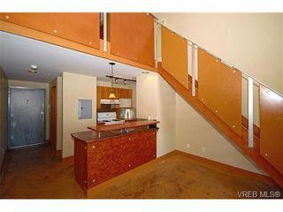 Photo 5: 405 555 Chatham St in VICTORIA: Vi Downtown Condo for sale (Victoria)  : MLS®# 677342