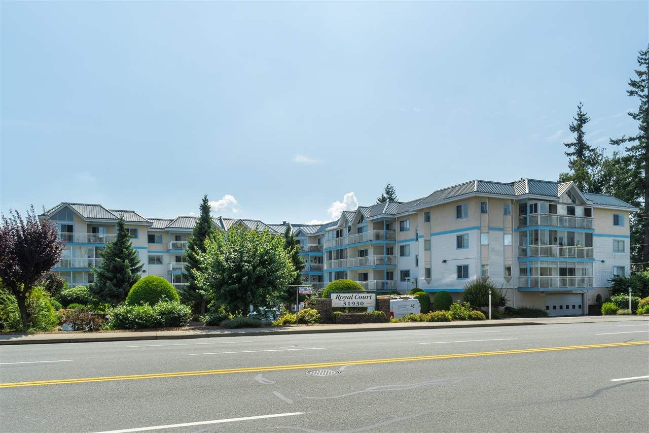 """Main Photo: 205 31930 OLD YALE Road in Abbotsford: Abbotsford West Condo for sale in """"Royal Court"""" : MLS®# R2413572"""