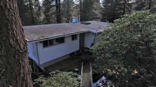 Photo 2: 1541 Croation Rd in Campbell River: CR Campbell River Central House for sale : MLS®# 870733