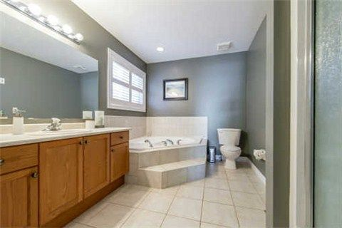 Photo 7: Photos: 53 N Lady May Drive in Whitby: Rolling Acres House (Bungaloft) for sale : MLS®# E3206710