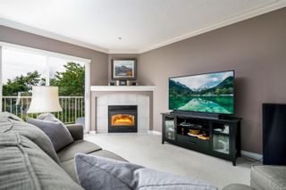 Photo 3: 41 118 Aldersmith Pl in : VR Glentana Row/Townhouse for sale (View Royal)  : MLS®# 878660
