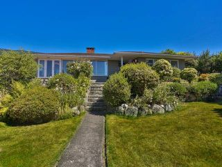 """Photo 10: 2095 MATHERS Avenue in West Vancouver: Ambleside House for sale in """"AMBLESIDE"""" : MLS®# V1078754"""