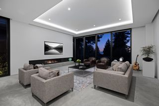 Photo 6: 276 SANDRINGHAM Crescent in North Vancouver: Upper Lonsdale House for sale : MLS®# R2617703