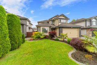 Photo 3: 14537 74A Avenue in Surrey: East Newton House for sale : MLS®# R2492435