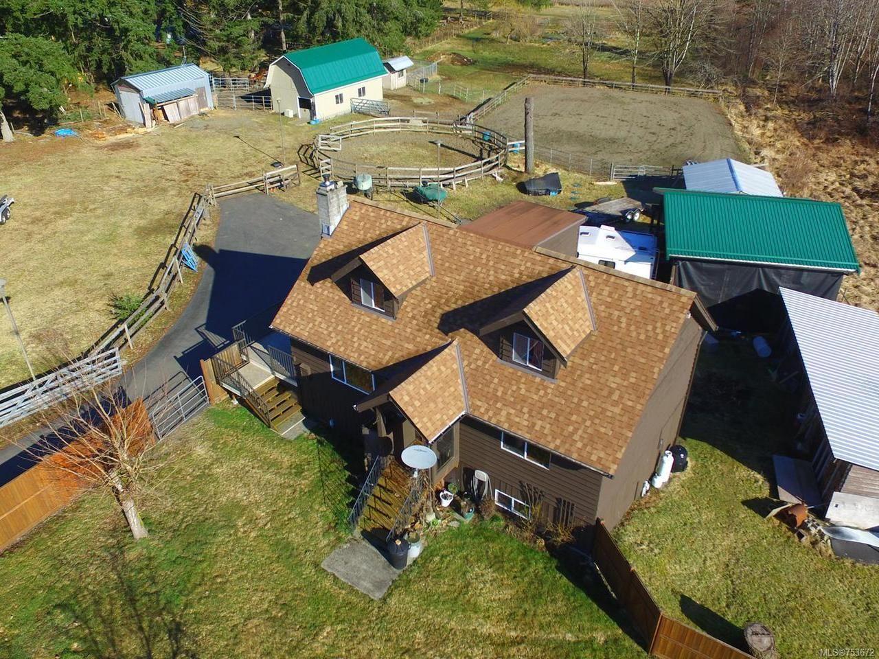 Main Photo: 3282 MACAULAY ROAD in BLACK CREEK: CV Merville Black Creek House for sale (Comox Valley)  : MLS®# 753672