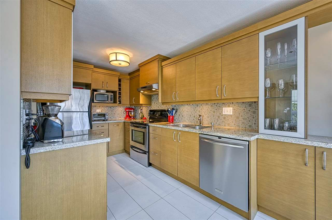 """Main Photo: 204 868 W 16TH Avenue in Vancouver: Cambie Condo for sale in """"Willow Springs"""" (Vancouver West)  : MLS®# R2577028"""