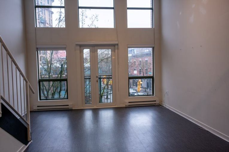 "Main Photo: 304 1 E CORDOVA Street in Vancouver: Downtown VE Condo for sale in ""CARRALL ST STATION"" (Vancouver East)  : MLS®# R2538699"