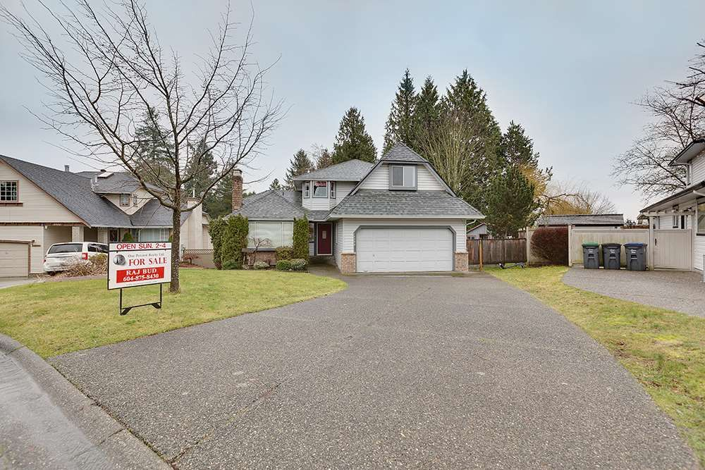 Main Photo: 14344 69A Avenue in Surrey: East Newton House for sale : MLS®# R2031915