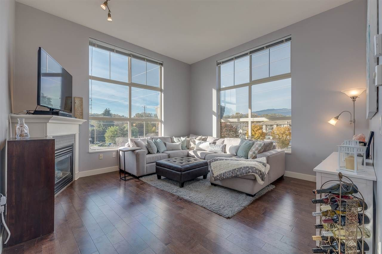 """Main Photo: 413 2478 SHAUGHNESSY Street in Port Coquitlam: Central Pt Coquitlam Condo for sale in """"SHAUGHNESSY EAST"""" : MLS®# R2316515"""