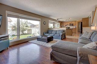 Photo 9: 91 Douglas Woods Hill SE in Calgary: Douglasdale/Glen Detached for sale : MLS®# A1017317