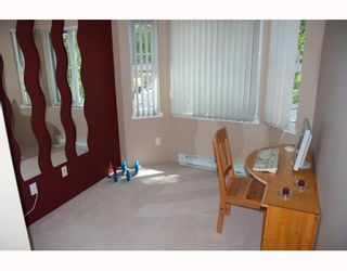 """Photo 5: 216 2231 WELCHER Avenue in Port_Coquitlam: Central Pt Coquitlam Condo for sale in """"PLACE ON THE PARK"""" (Port Coquitlam)  : MLS®# V770656"""