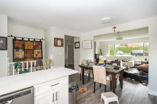 Photo 2: 915 E 14TH Street in North Vancouver: Boulevard House for sale : MLS®# R2511076