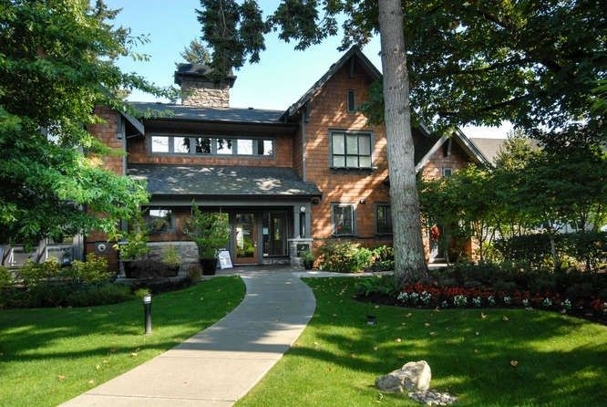 7,500sqft Clubhouse with gym, movie theatre, kitchen, outdoor pool, hot tub, library, indoor hockey & 2 guest suites!